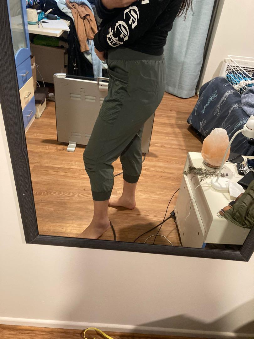 Green active intent pants