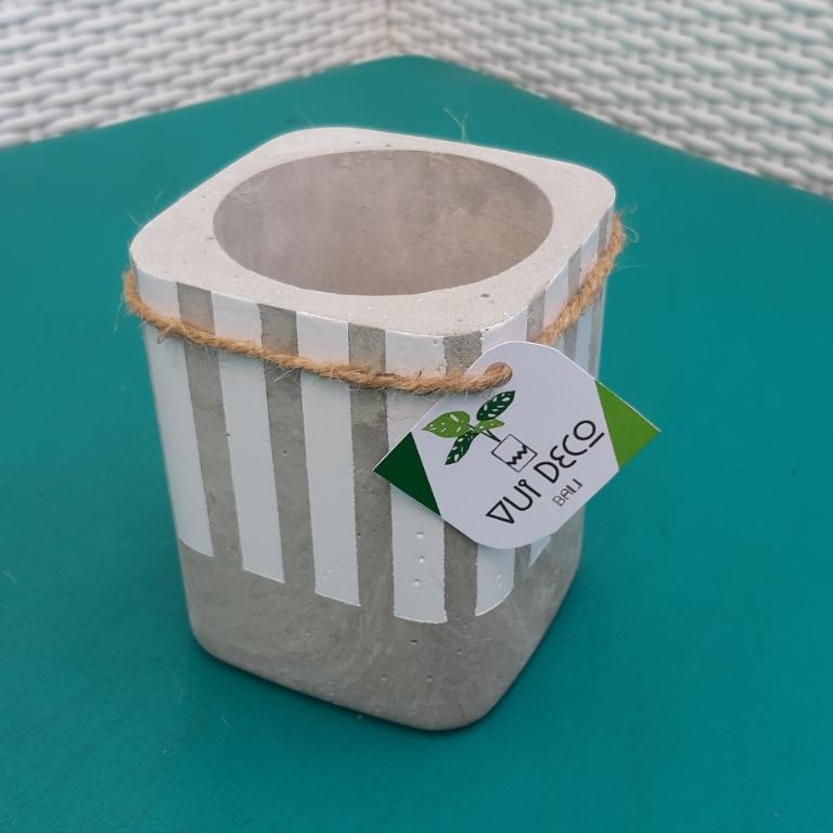 Special Planter / Pot Beton Minimalis Kotak / Vui Deco Bali