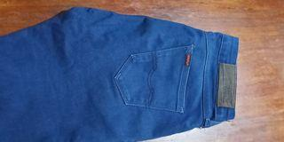 PRE LOVED JEANS