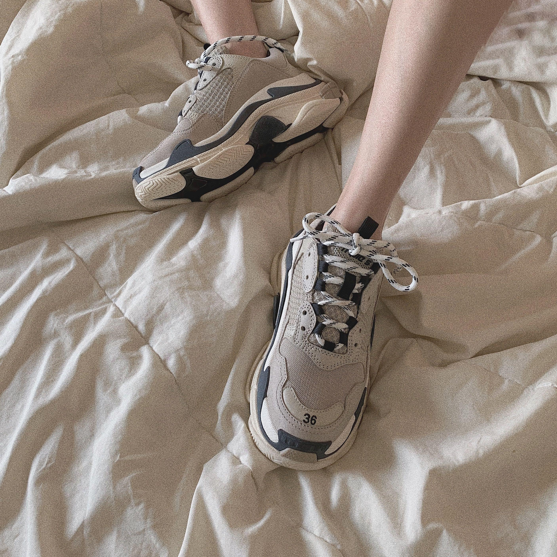 Balenciaga triple S Sneakers Vanille in