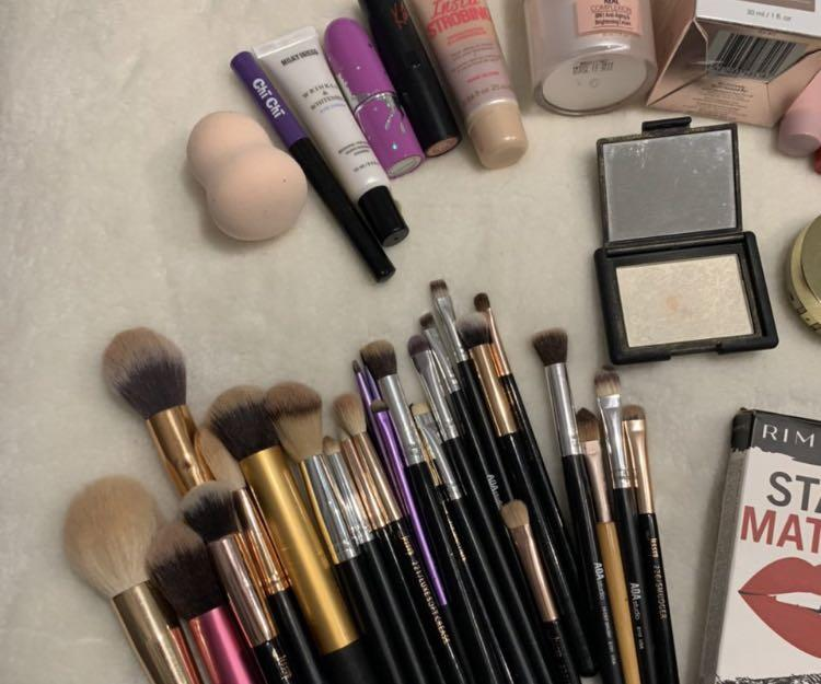 Bulk High end Makeup 🧚