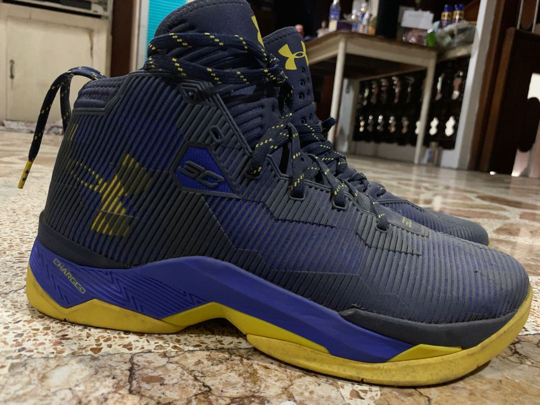 Under Armour Curry 2.5 , Men's Fashion