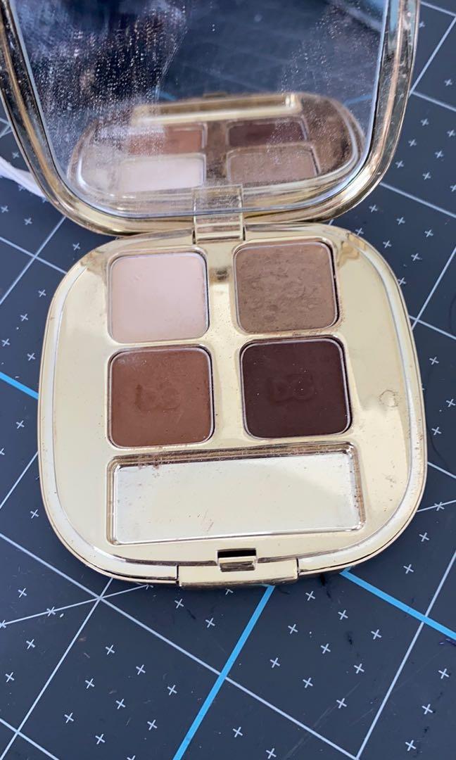 D&G eyeshadow quad