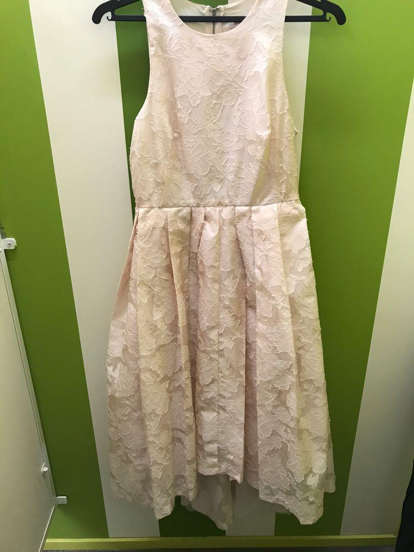 Gorgeous mid-length dress