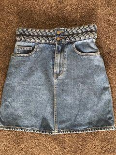 Kookai pleated band skirt size 8 - (38)