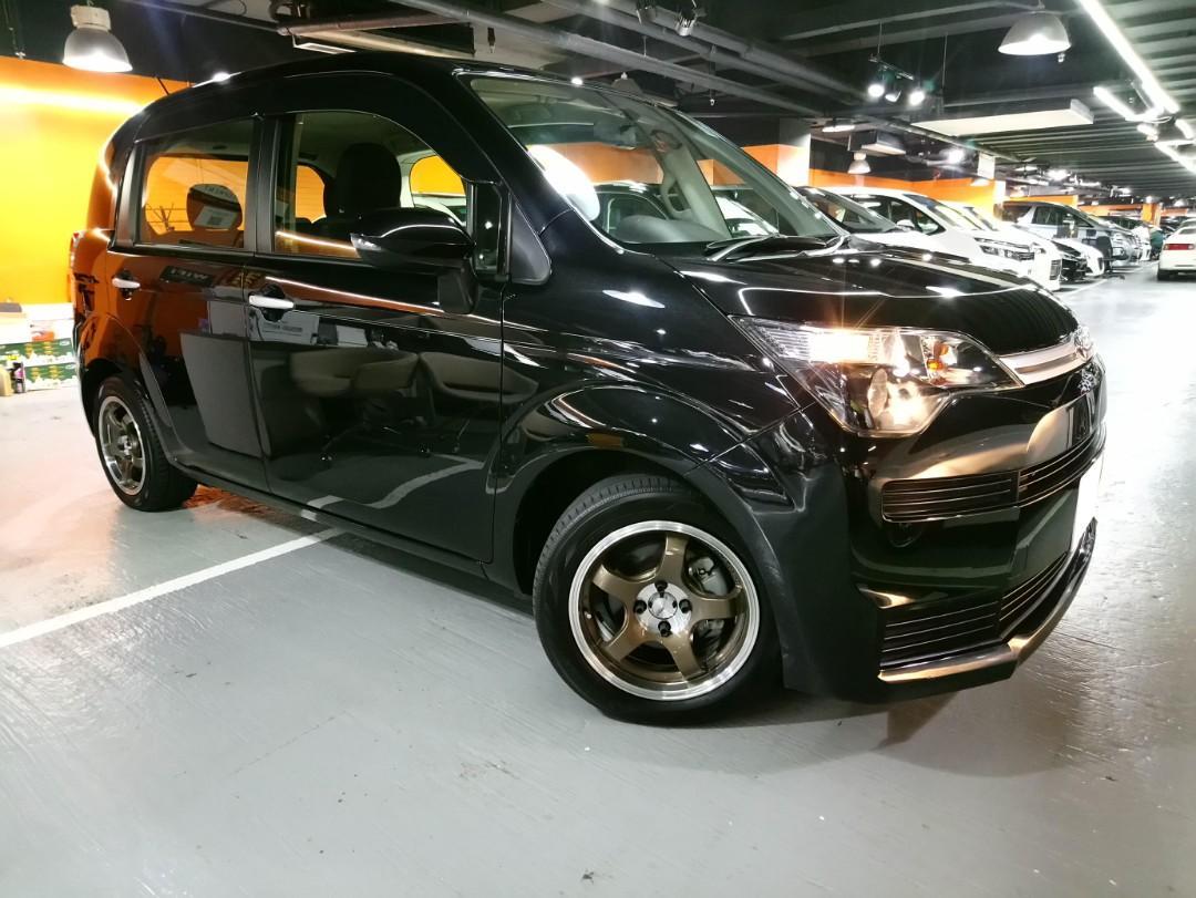 Toyota spade G Auto
