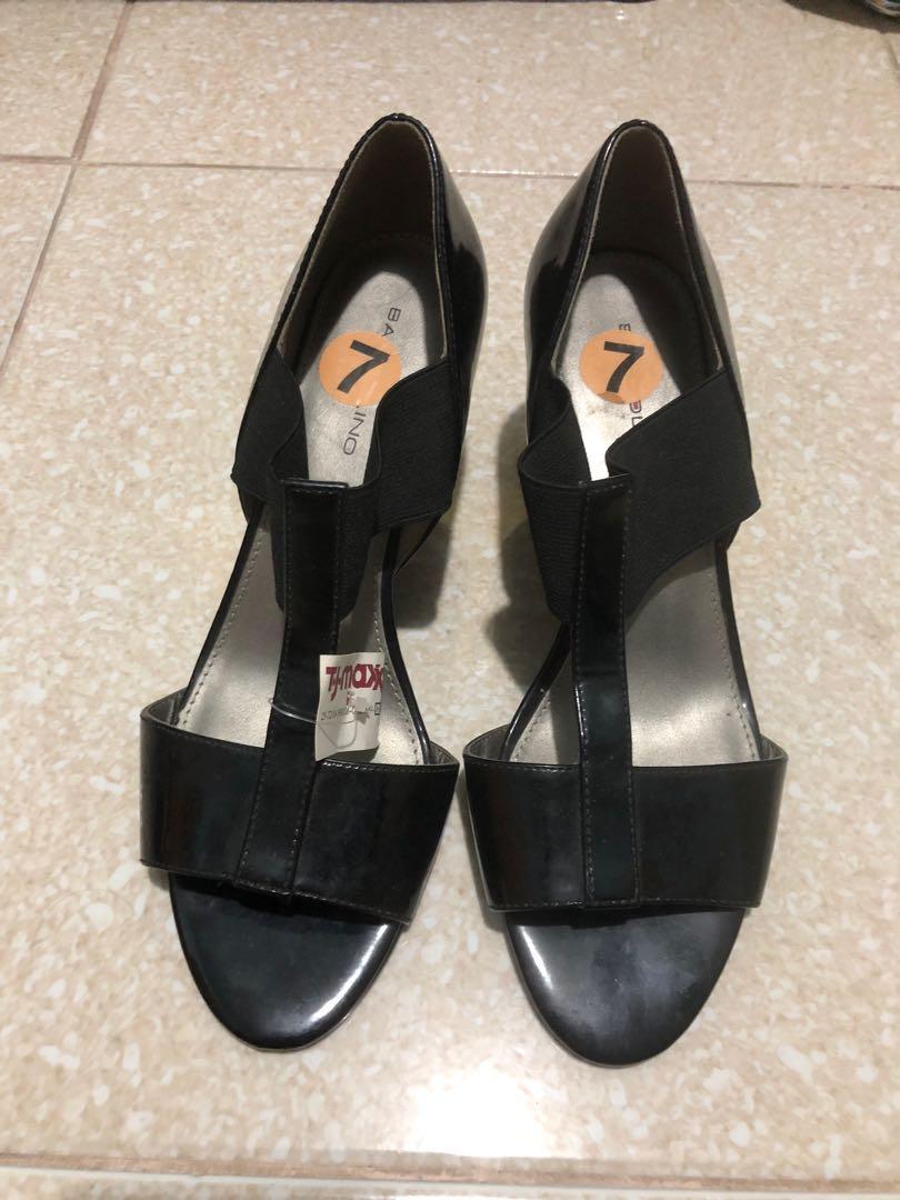 Bandolino Shoes size 7, Women's Fashion