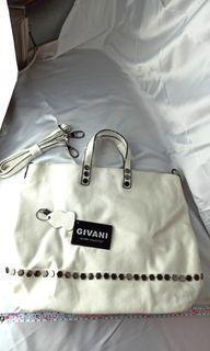 二層牛皮,品牌GIVANI大購物袋托特包,高雅的內裡配置,logo閃亮五金,出清品