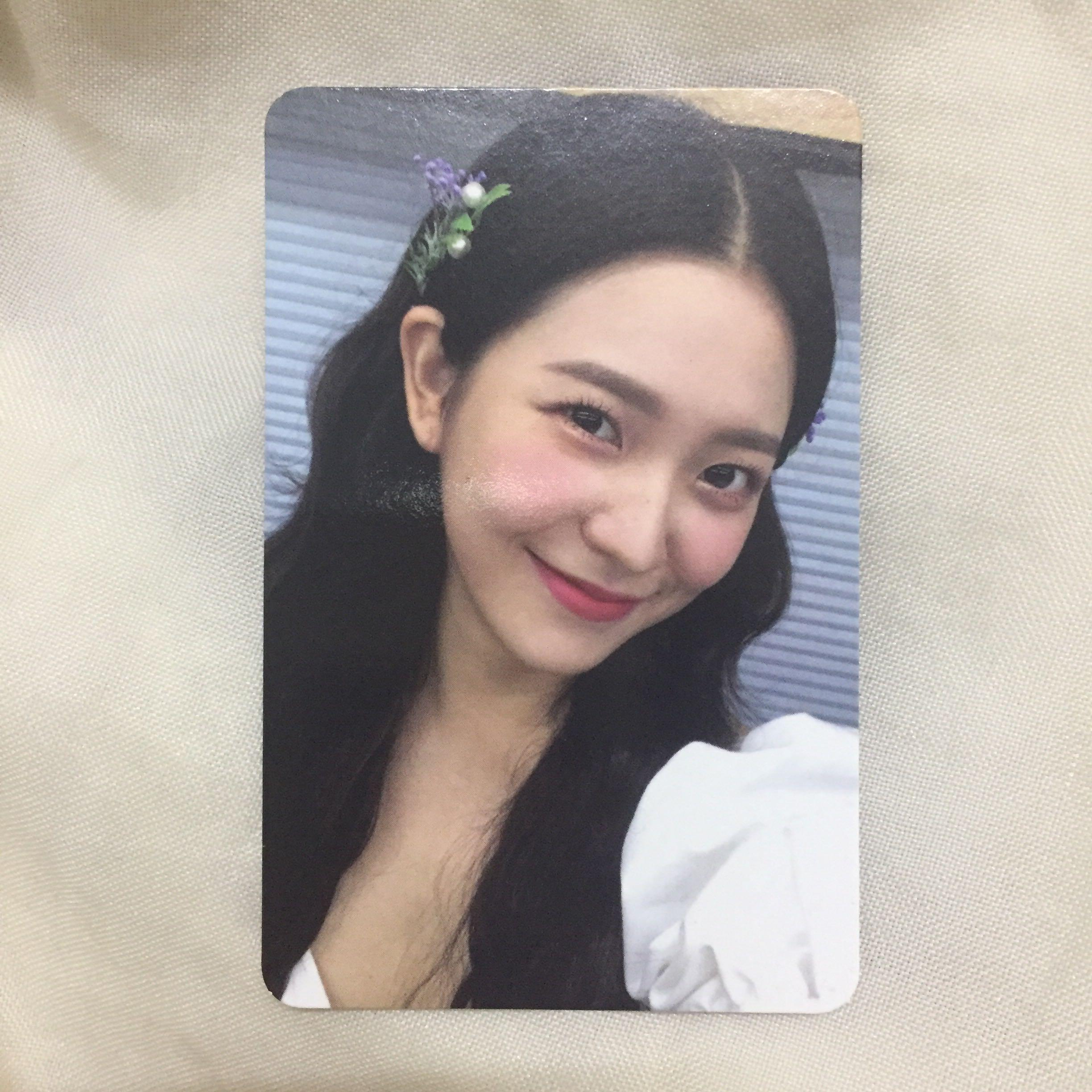 [WTS/WTT] Red Velvet  Summer Magic Yeri Limited ver Photocard