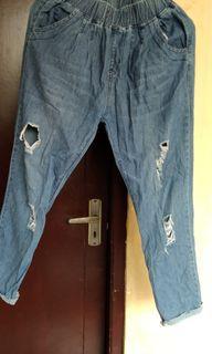 Celana Jeans sobek (ripped jeans)