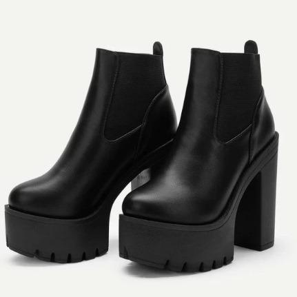 Chunky platform boots (size 7)