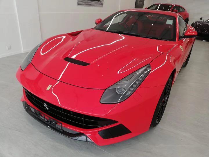 Ferrari F 12 Auto