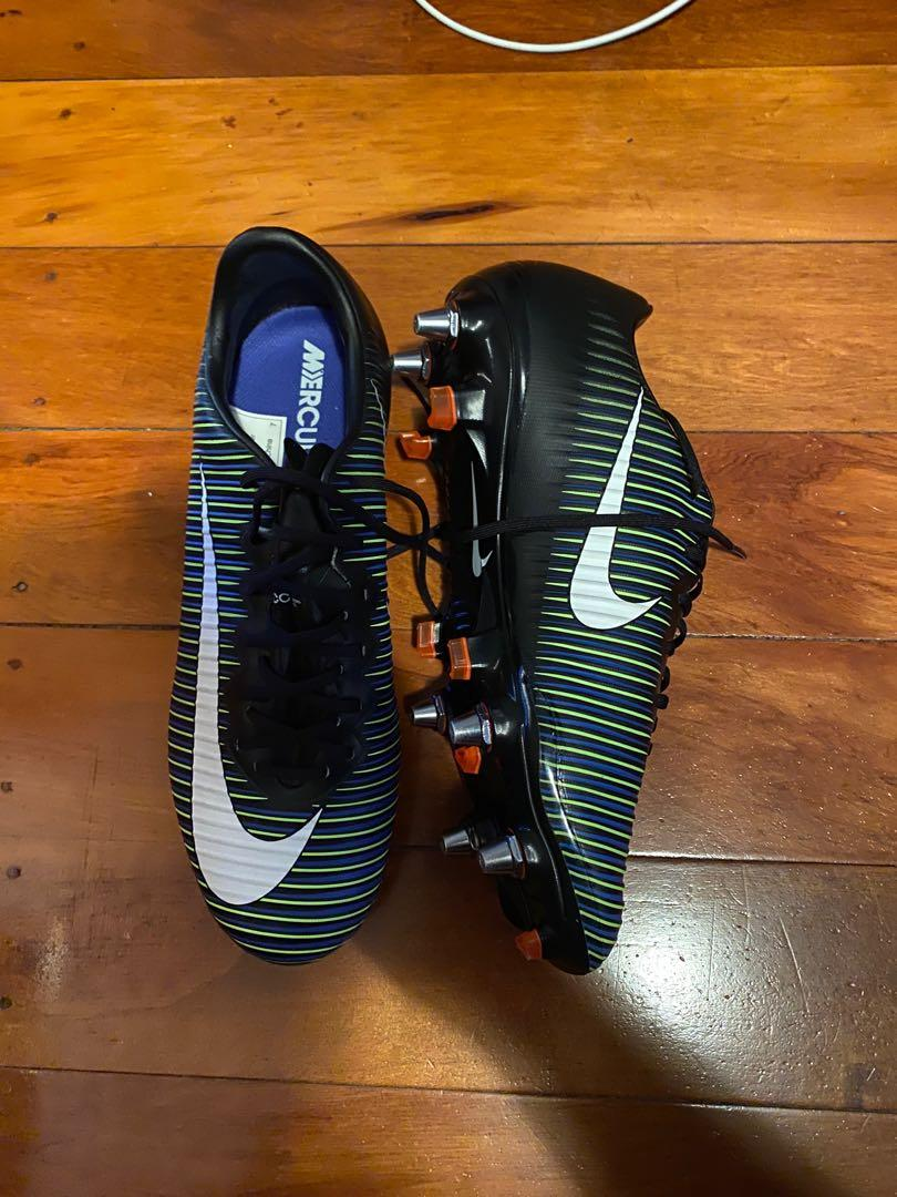 Football shoes size 6 us