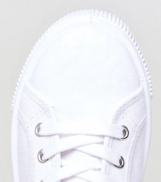 Levi's canvas shoe with red tab, Women
