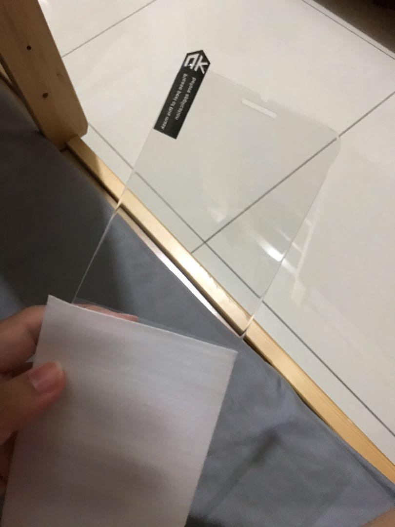 Iphone7 plus半版玻璃貼