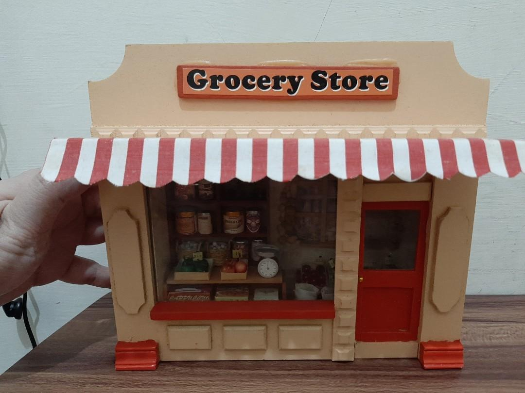 Minature grocery store