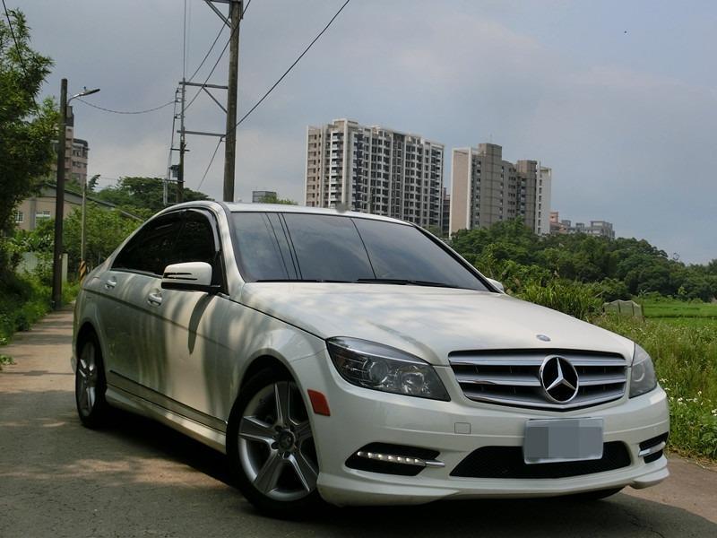 FB搜尋【世康中古車買賣】《熱門車款》2011年 賓士 c300白3.0