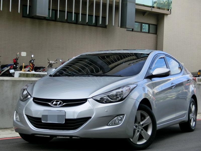 FB搜尋【世康中古車買賣】《熱門車款》2012年現代 elantra 銀1.8