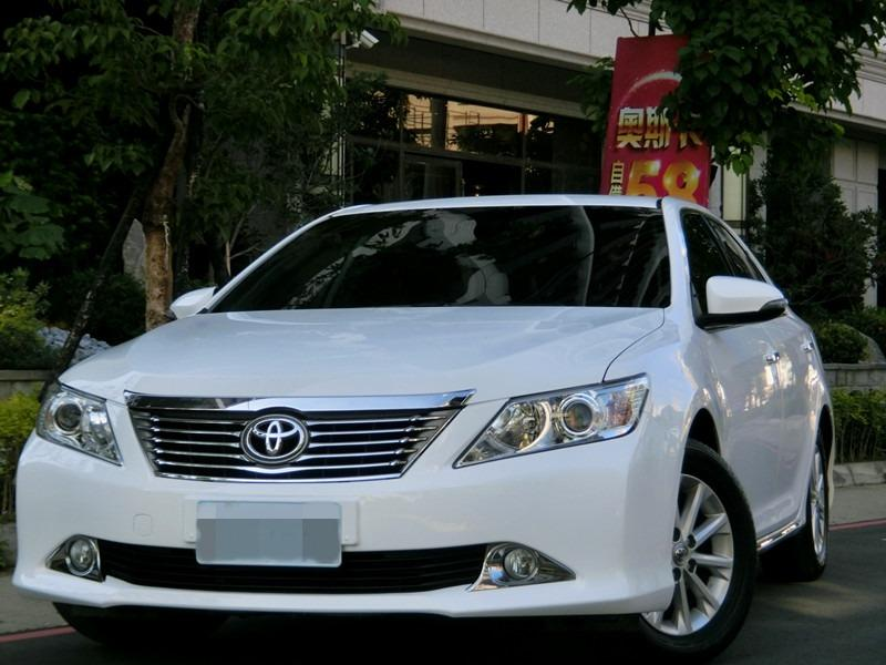 FB搜尋【世康中古車買賣】《熱門車款》2013年豐田camry白2.0