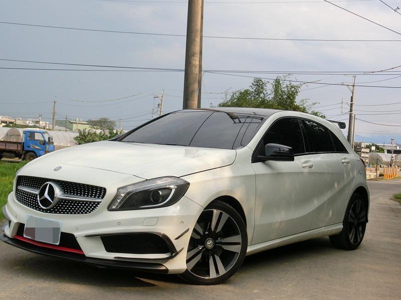 Fb搜尋🔍阿哲中古車買賣 粉絲專業 2012年 BENZ 賓士 A180 白1.6