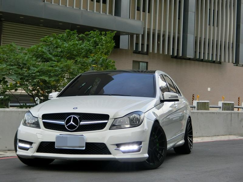 Fb搜尋🔍阿哲中古車買賣 粉絲專業 2012年 BENZ c250 amg 白1.8