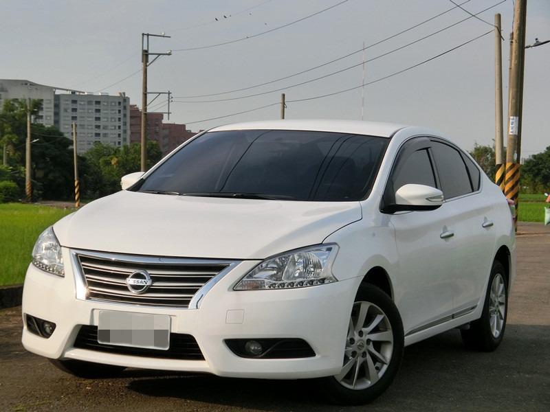 Fb搜尋🔍阿哲中古車買賣 粉絲專頁 2013年 裕隆 SENTRA 白1.8