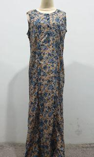 Expand Long Dress Floral tanpa Lengan - Preloved