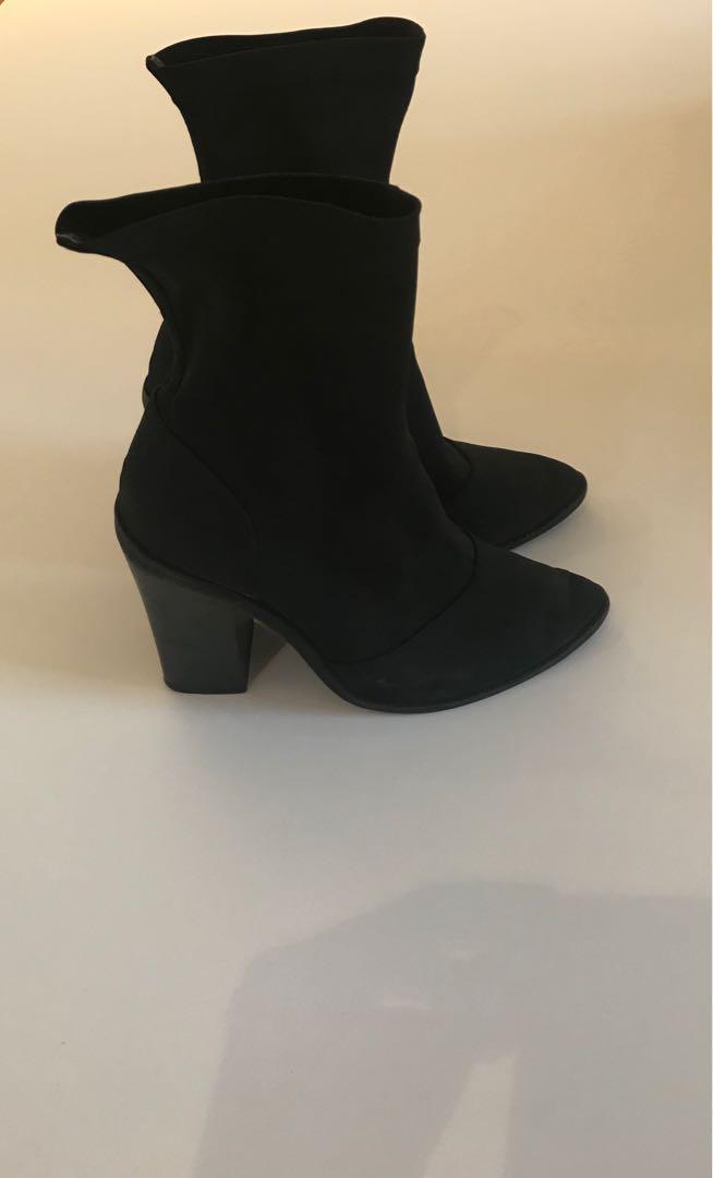 Lipstick boots Size 7