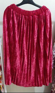 Red Skirt bludru import