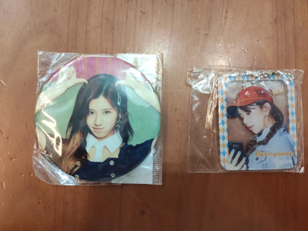Twice襟章(Sana)&鎖匙扣(Chae young)