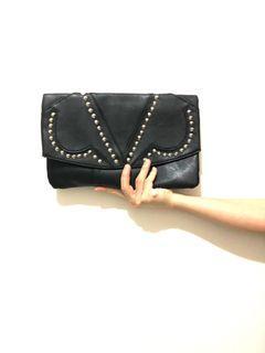 Black Clutch (envelope)