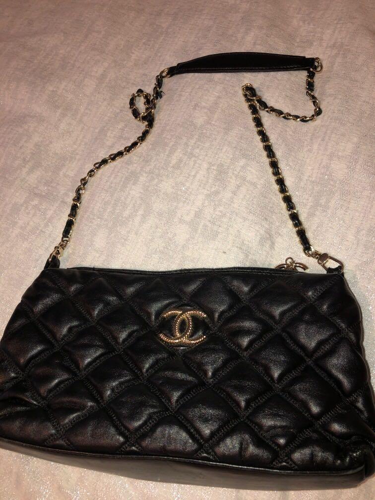 Chanel cross body purse