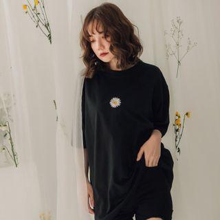 Oversize 小雛菊 黑色T恤