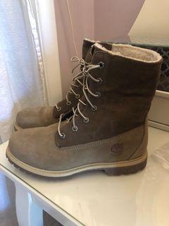 Womens Timberland Waterproof Winter Boots - Size 8