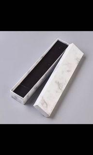 Marble Necklace Box 210x45x31mm