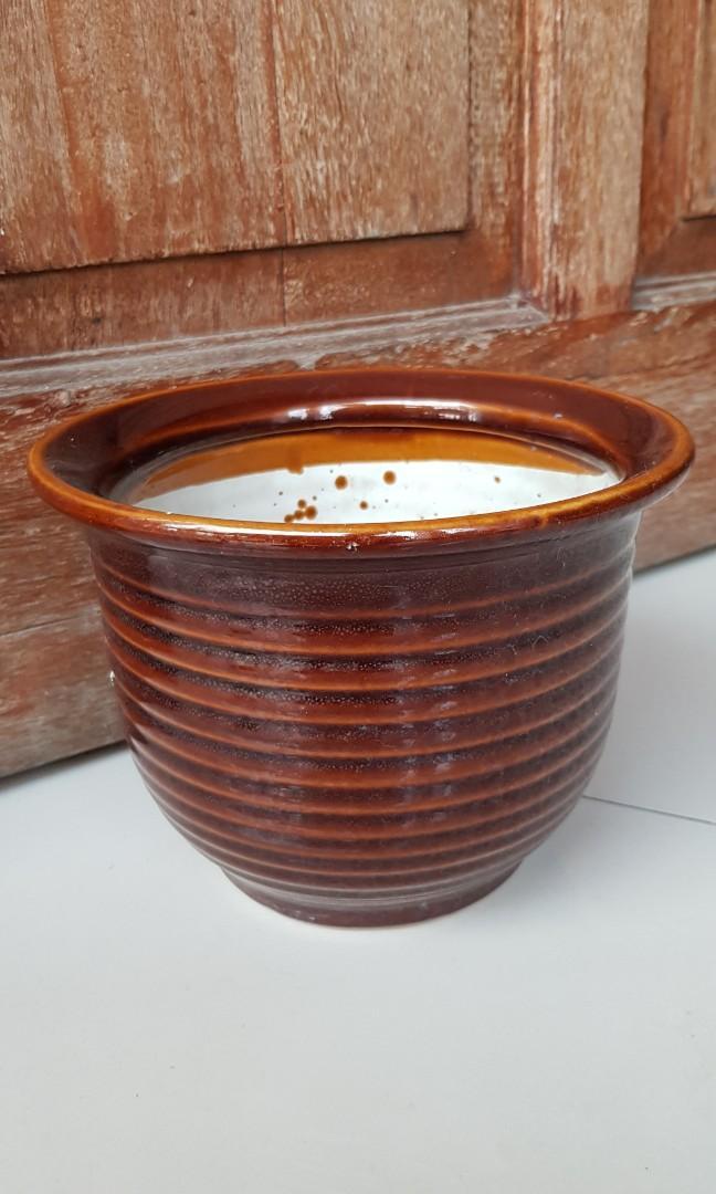 Pot Bunga  coklat 15 cm