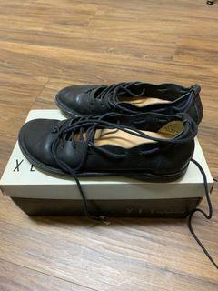 專櫃XES 綁帶休閒鞋 36號