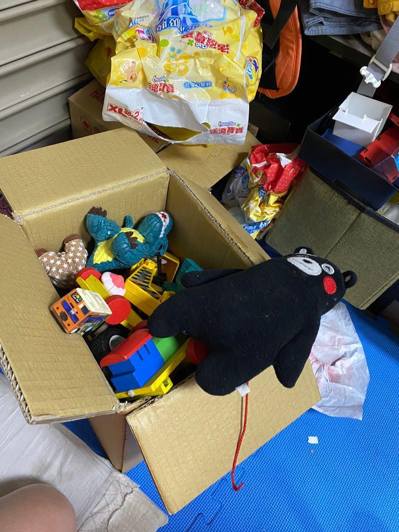 玩具ㄧ堆(給較困苦的人)