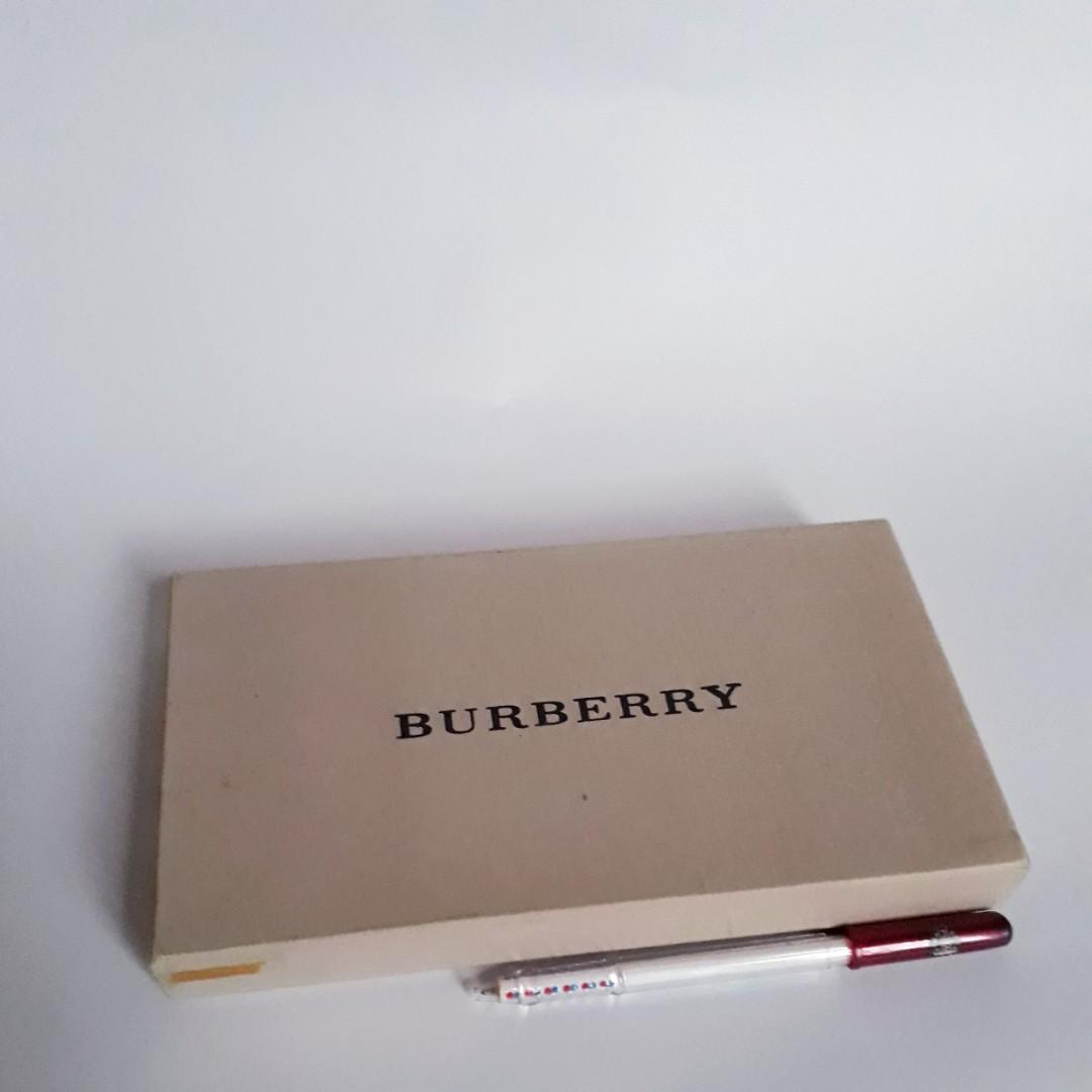 Burberry Wallet Box.