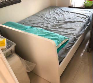 IKEA ASKVOLL雙人床架及床褥
