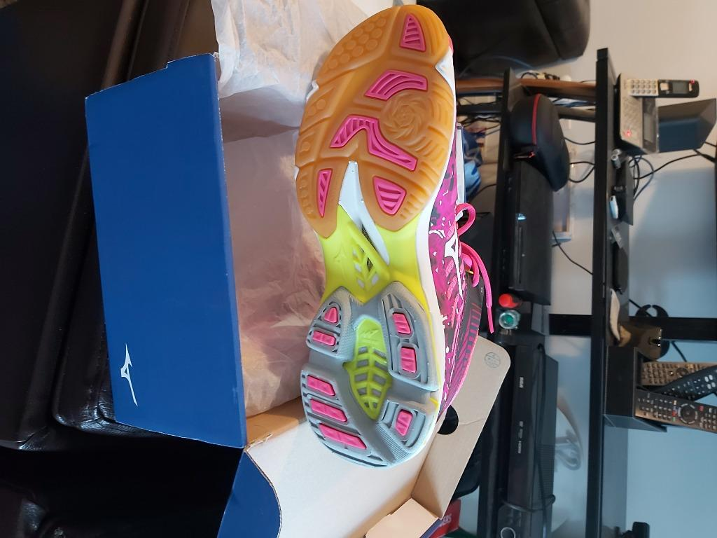 Mizuno indoor shoes for badminton or volleyball