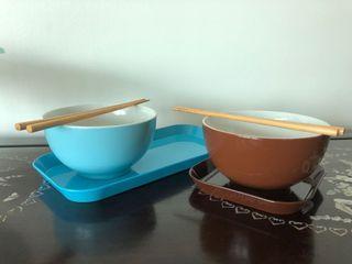 Noodle Set (2 Bowls, 2 Trays, 2 Sets of Chopsticks)