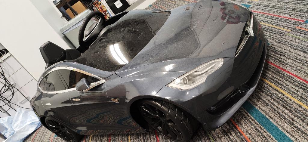 Tesla Model S Auto