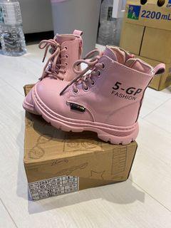 二手粉色薄絨馬丁靴
