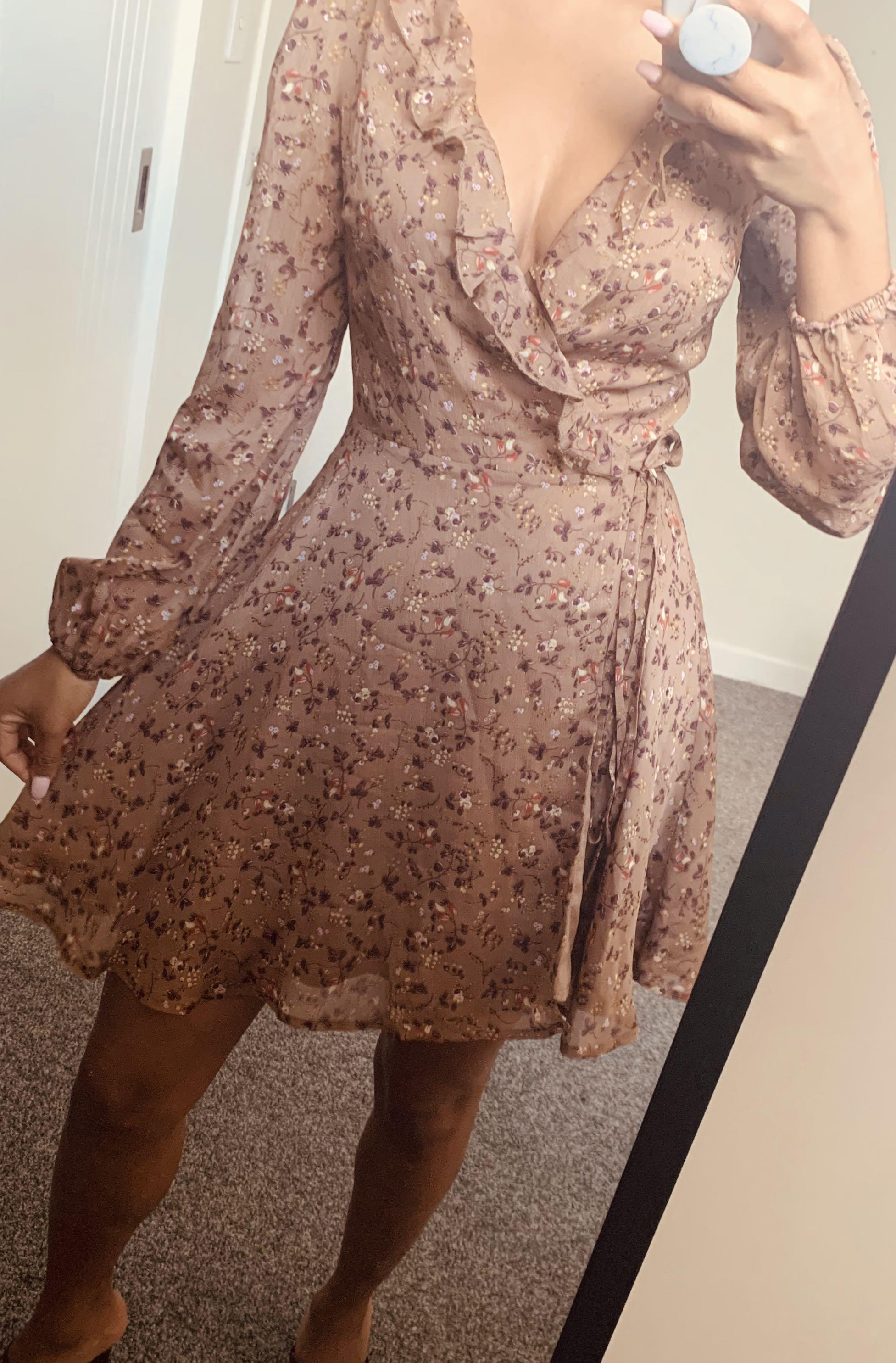 Wrap floral dress- size 6/8