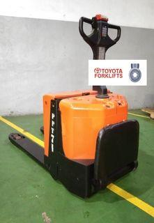 CERTIFIED USED (Silver) Toyota BT Levio 2000 kg 2.0 tons LPE200 Powered Pallet Truck