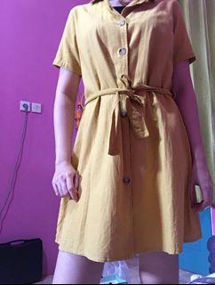 Dress Button Kuning Mustard