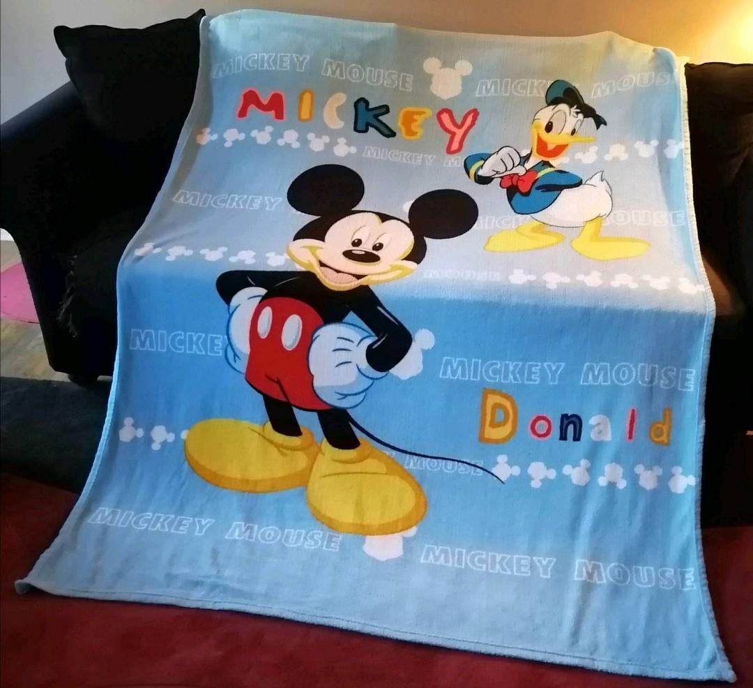 Mickey/Donald throw blanket