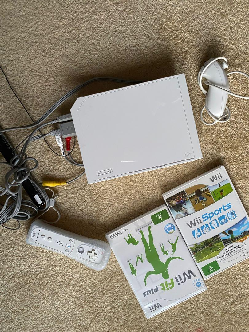 Wii fit console and games
