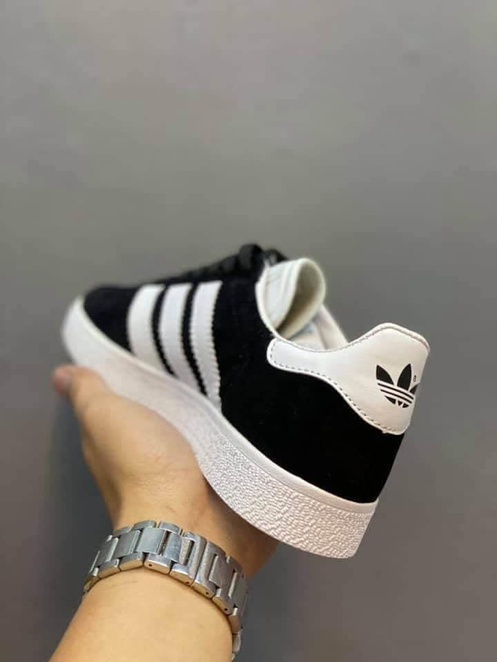 Allí pronóstico detalles  Adidas gazelle black, Women's Fashion, Shoes, Sneakers on Carousell